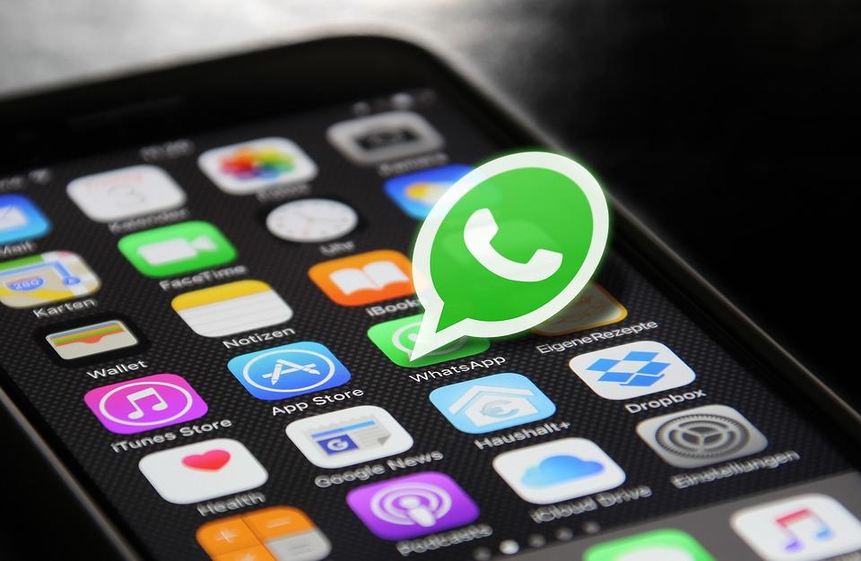 Для защиты чести и достоинства гражданина, он имеет полное право использовать взятую из WhatsApp информацию. Также в электронной переписке могут оговариваться условия сделок, делаться денежные переводы и прочие действия, используемые мошенниками для личного обогащения.
